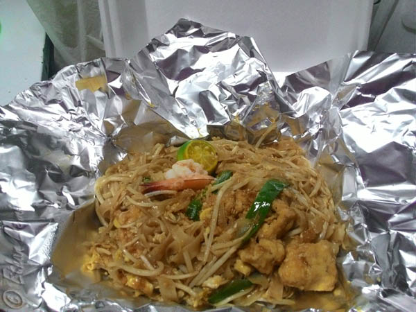 Pad Thai for takeaway - Mae Krua in Cebu